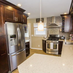 Halfmoon-NY-Kitchen-Remodeling-Cabinets-Lighting