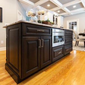 Kitchen Remodel Contrasting Island